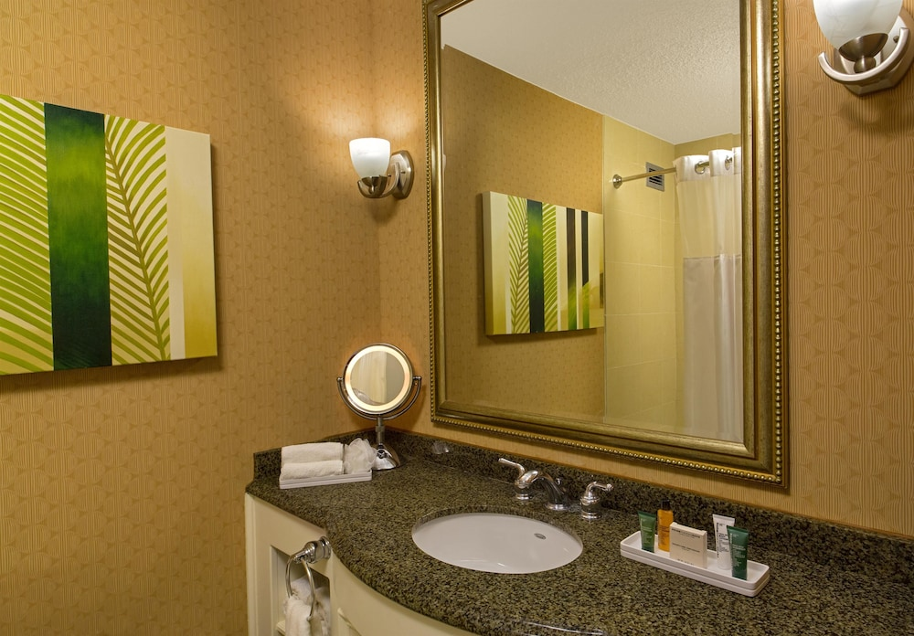 Bathroom, Hilton Galveston Island Resort