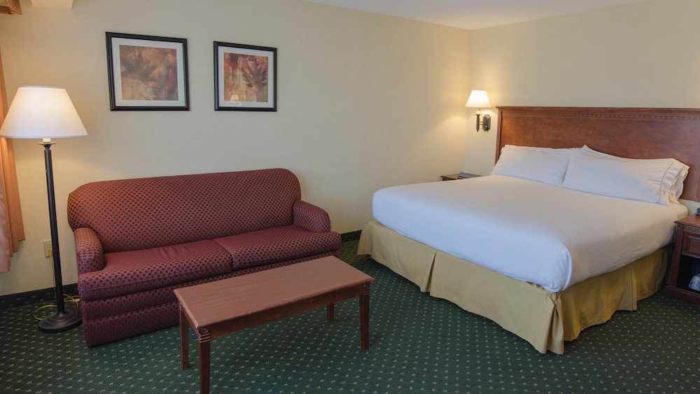 Living Area, Holiday Inn Express South Burlington