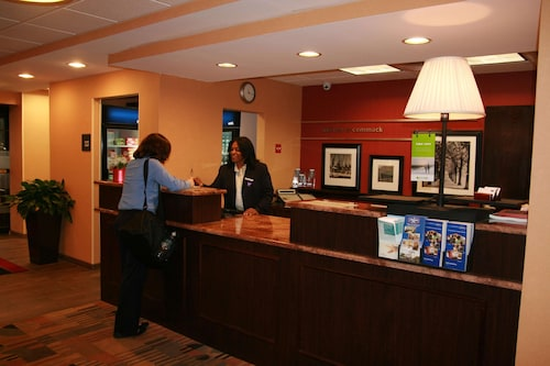 Hampton Inn Long Island / Commack