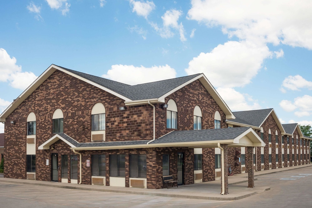 Days Inn By Wyndham Muncie Ball State University In Hotel Rates Reviews On Orbitz