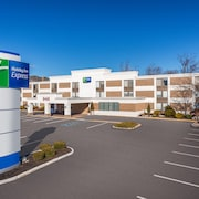 Holiday Inn Express Ramsey-Mahwah