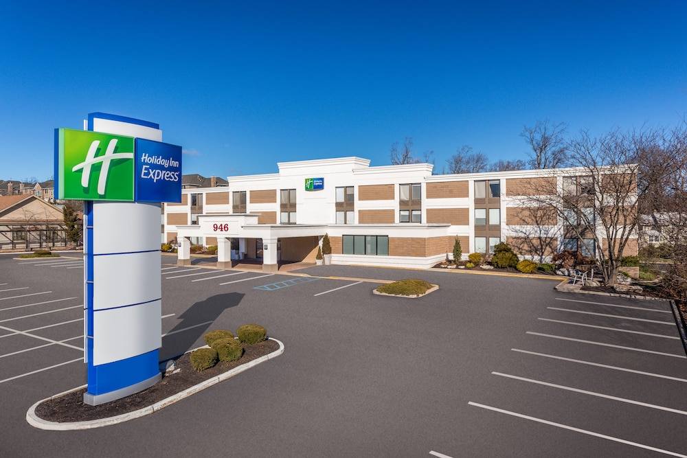 Holiday Inn Express Ramsey Mahwah 2019 Room Prices 97 Deals Reviews Expedia