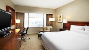 高級寢具、特厚豪華床墊、保險箱 (可放手提電腦)、書桌