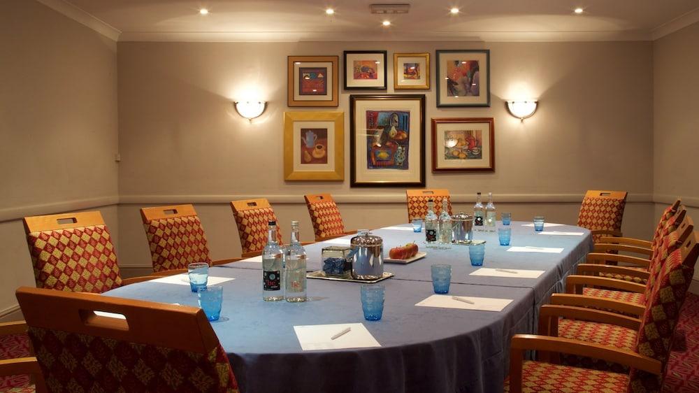 Hallmark Hotel Stourport Manor Reviews