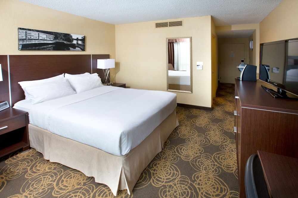 Room, Holiday Inn Sioux Falls-City Centre