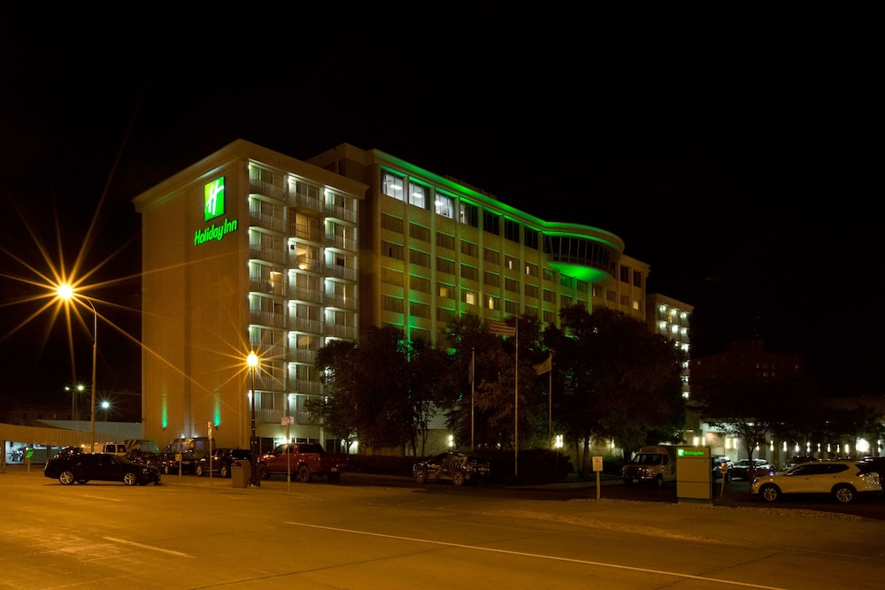 Exterior, Holiday Inn Sioux Falls-City Centre