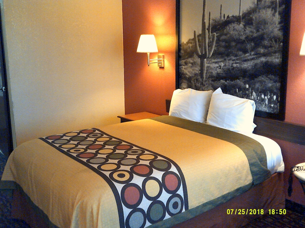 Room, Super 8 by Wyndham Tucson Downtown Convention Center