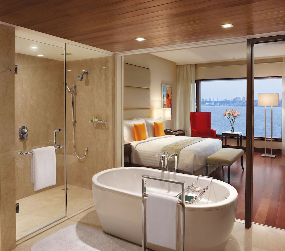 Bathroom, The Oberoi Mumbai