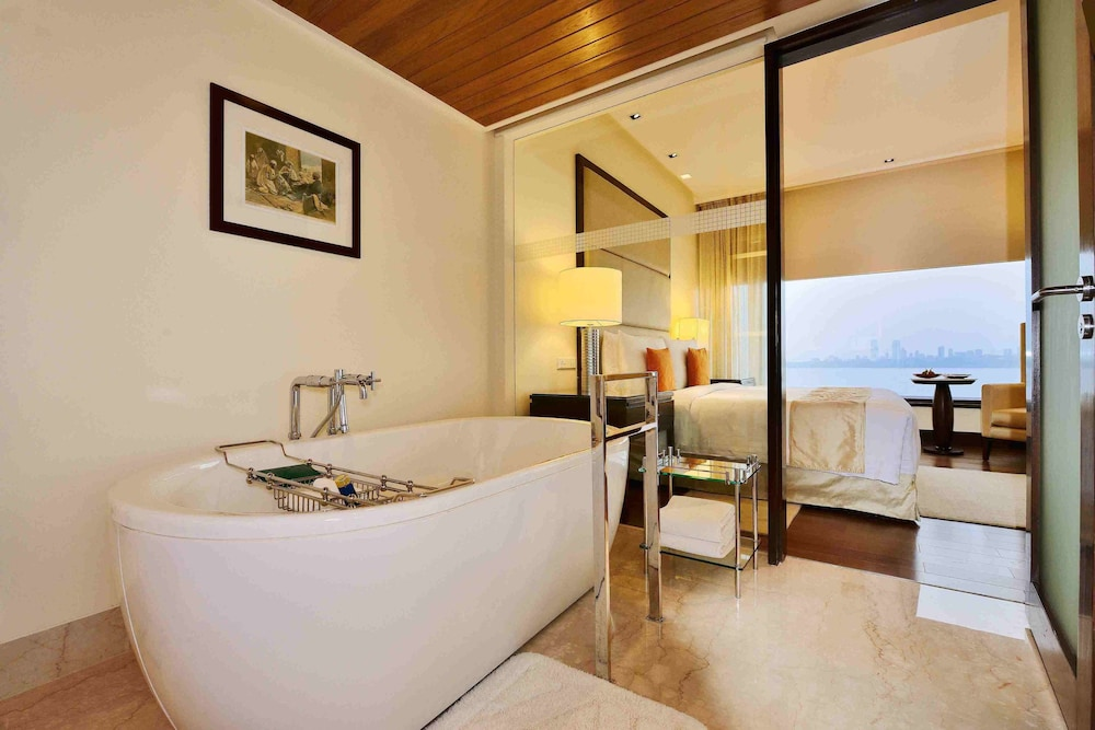 Bathroom Amenities, The Oberoi Mumbai