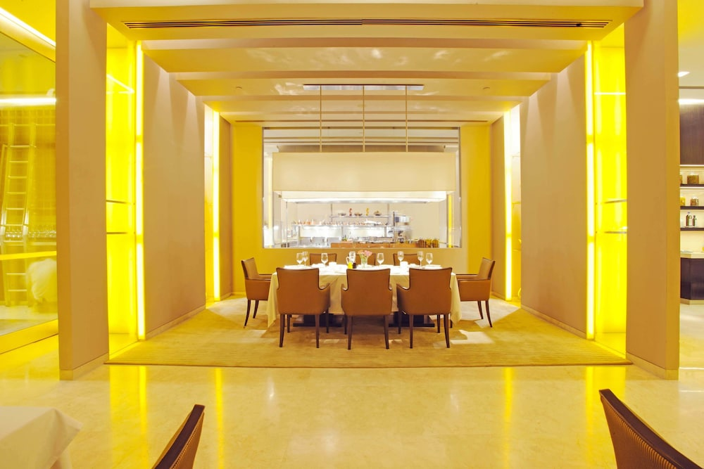 Restaurant, The Oberoi Mumbai