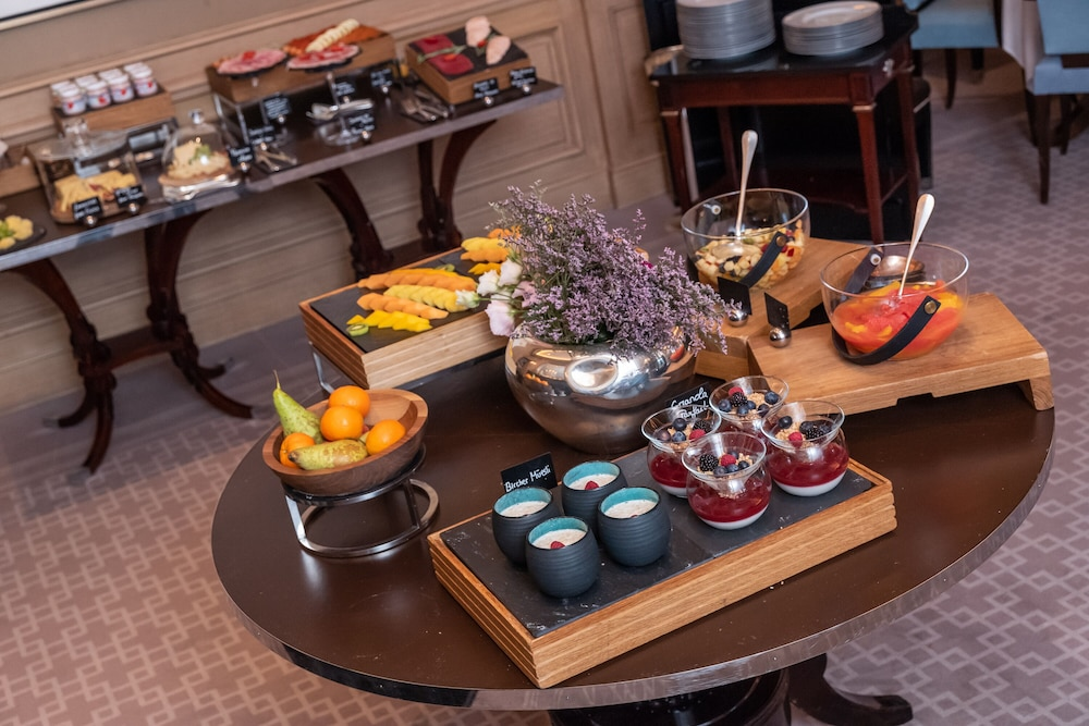 Breakfast buffet, Four Seasons Hotel des Bergues Geneva
