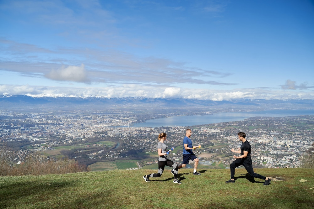 Hiking, Four Seasons Hotel des Bergues Geneva