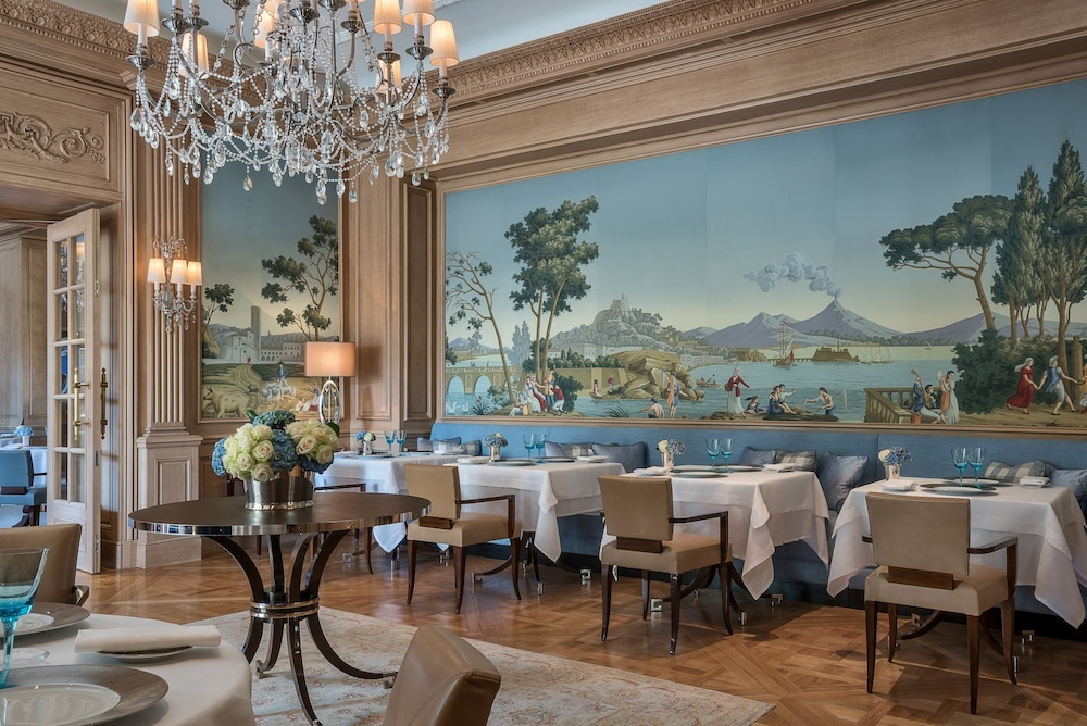 Bar, Four Seasons Hotel des Bergues Geneva