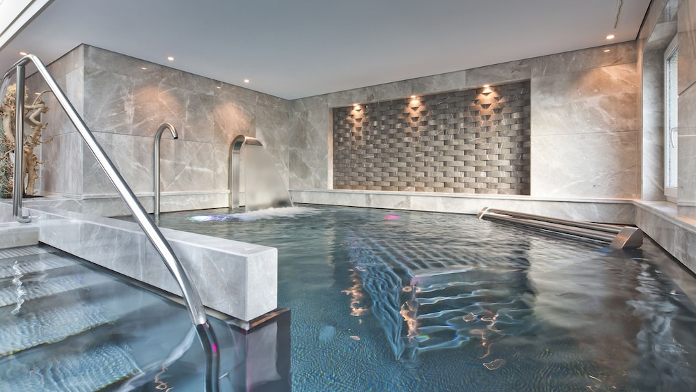 Indoor Pool, Four Seasons Hotel des Bergues Geneva