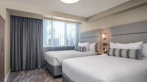 1 bedroom, pillow-top beds, in-room safe, blackout curtains