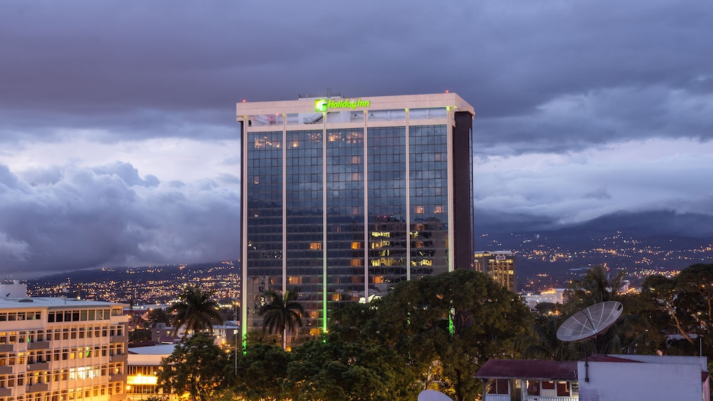 Holiday Inn San Jose-Aurola: 2019 Room Prices $76, Deals
