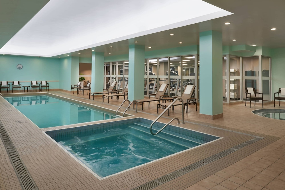 Pool, Courtyard by Marriott Downtown Toronto