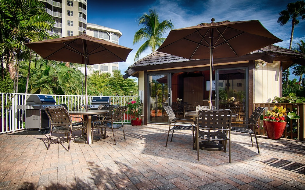 Gazebo, Pointe Estero Beach Resort