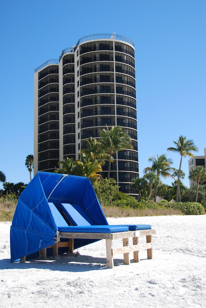 Beach, Pointe Estero Beach Resort