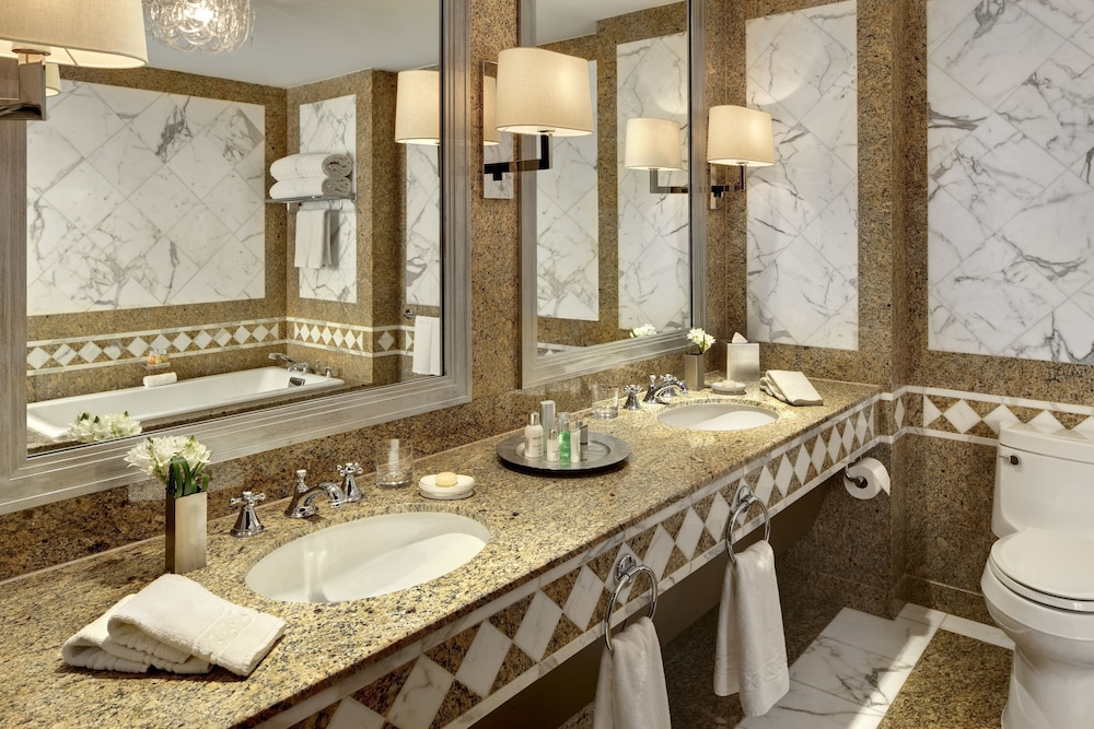 Bathroom, Lotte New York Palace