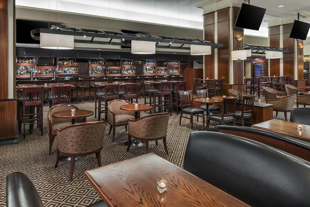 Restaurant, Sheraton Gateway Hotel In Toronto International Airport