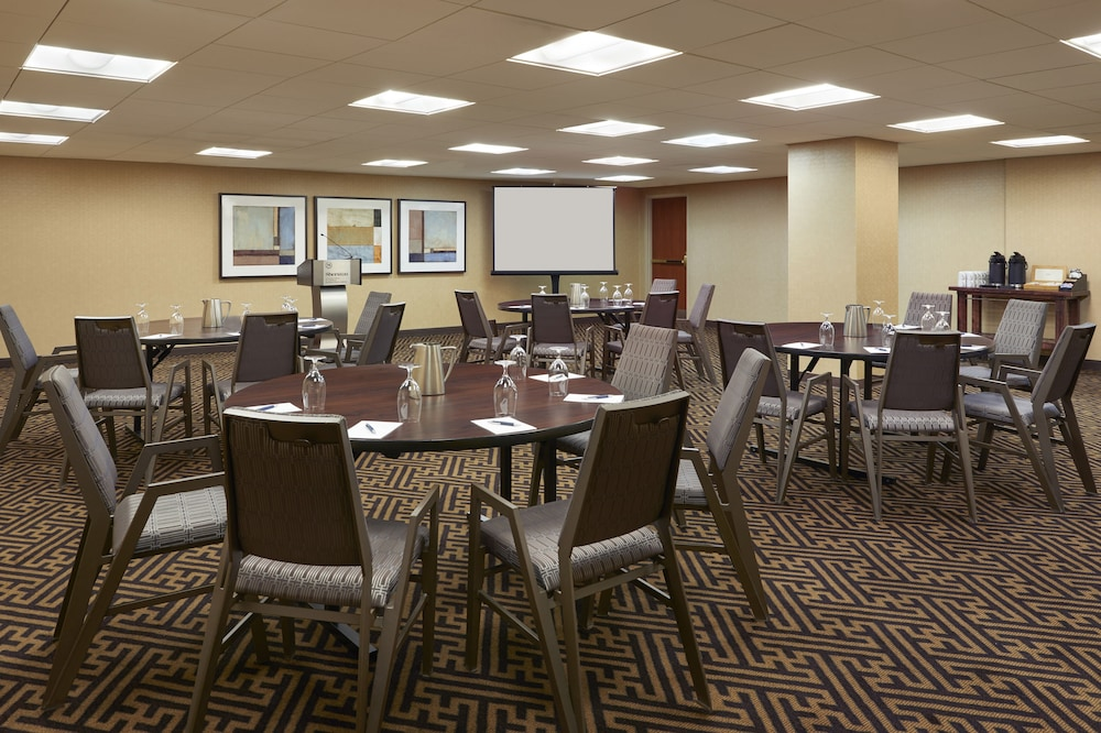Meeting Facility, Sheraton Gateway Hotel In Toronto International Airport