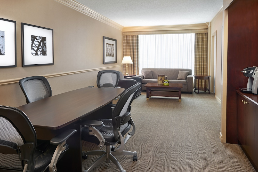 Room, Sheraton Gateway Hotel In Toronto International Airport