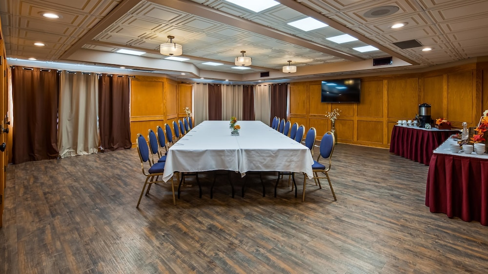 Meeting Facility, SureStay Hotel by Best Western Chilliwack