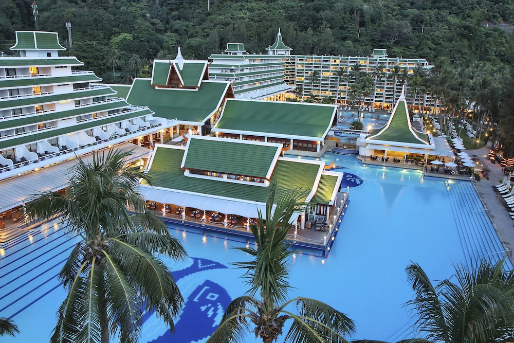 Property Grounds, Le Meridien Phuket Beach Resort