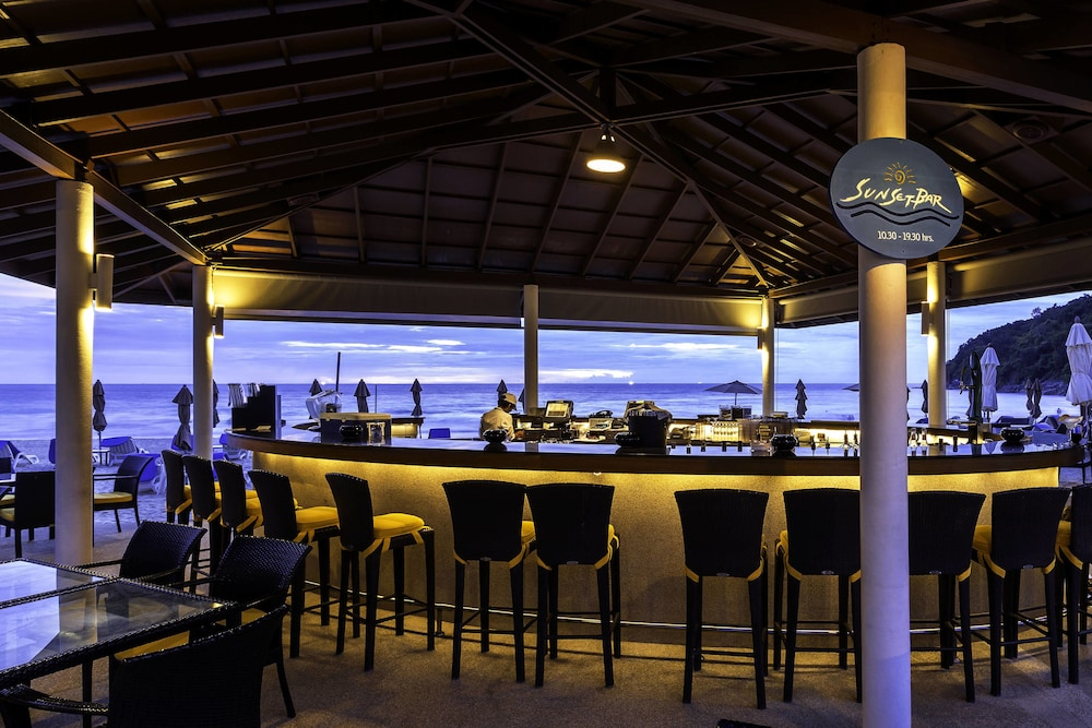 Bar, Le Meridien Phuket Beach Resort