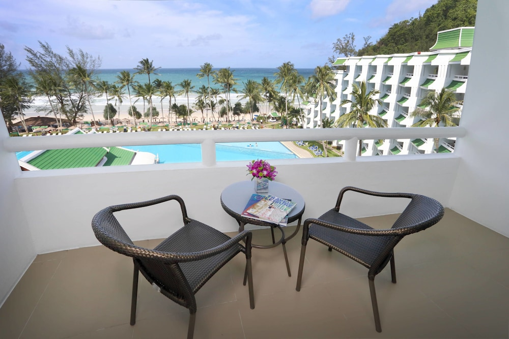 Balcony View, Le Meridien Phuket Beach Resort