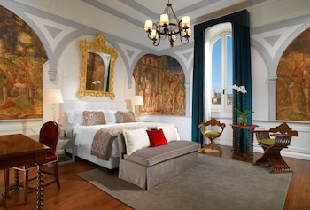 Florence Vacations - The St. Regis Florence - Property Image 10