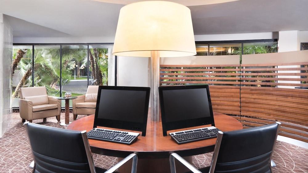 Sheraton roma hotel conference center rome ita expedia for Roma business center