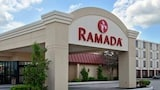 Ramada Watertown - Watertown Hotels