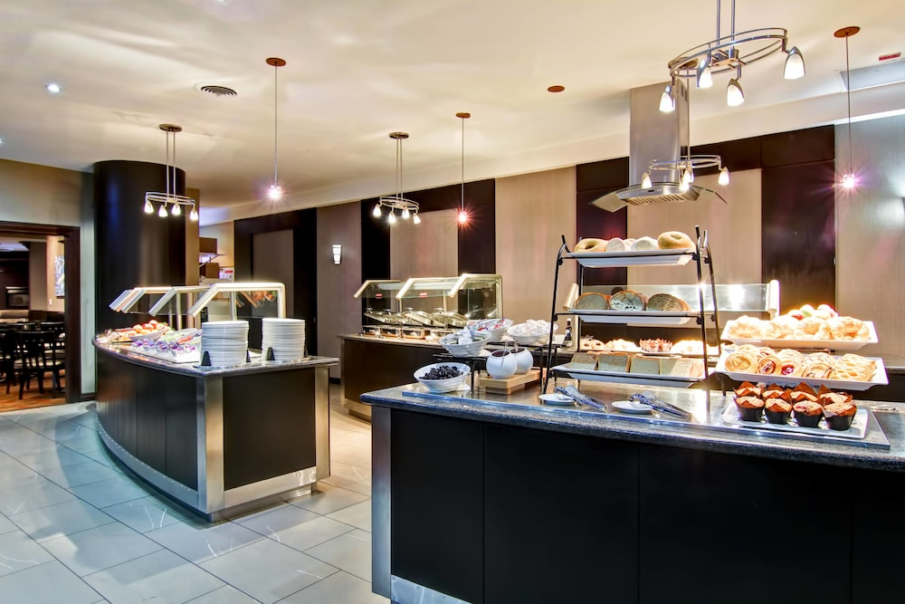 Delta Hotels By Marriott Toronto East 2019 Room Prices 92 Deals
