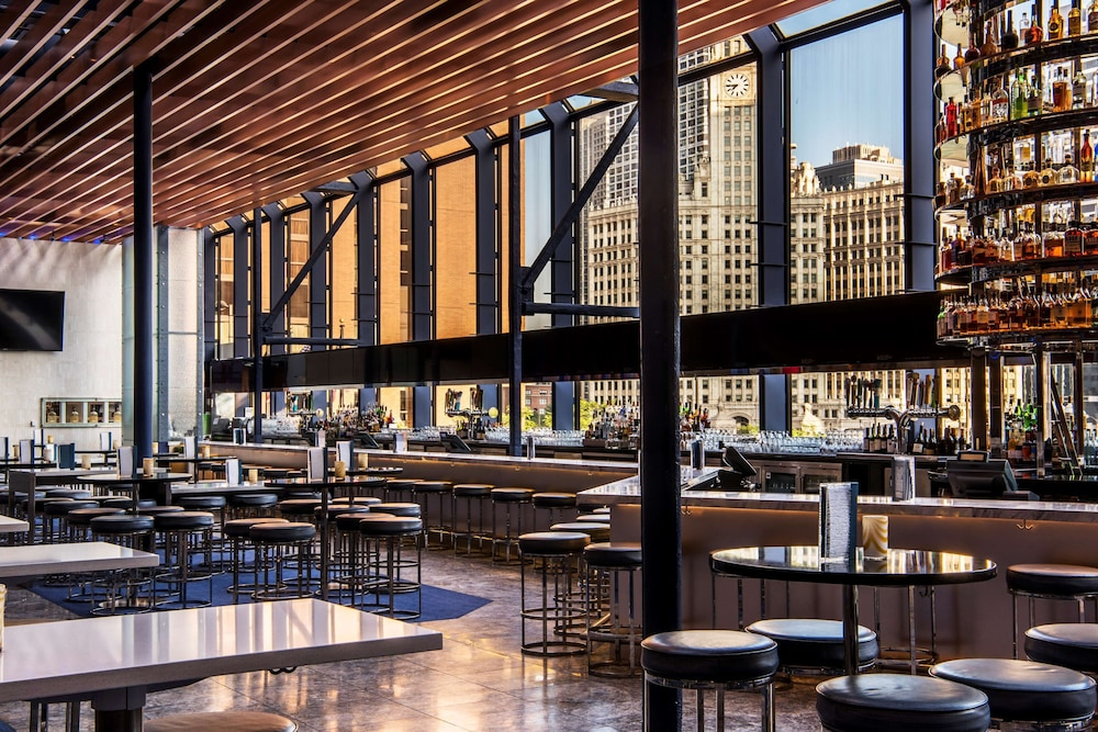 Bar, Hyatt Regency Chicago