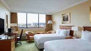 埃及棉床單、高級寢具、房內夾萬、書桌