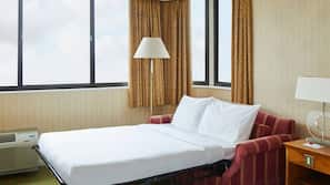 Egyptian cotton sheets, premium bedding, in-room safe, desk