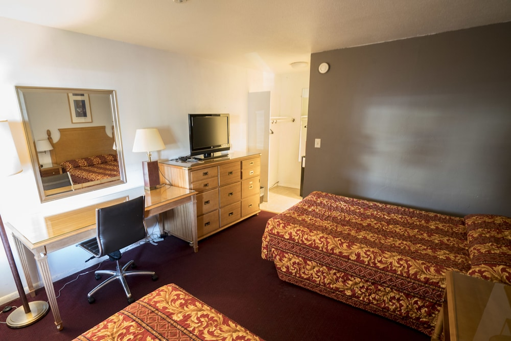 Room, Seatac Inn and Airport Parking