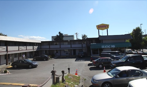 Exterior, Seatac Inn and Airport Parking
