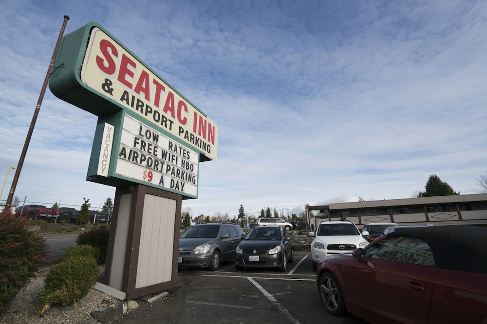 Front of Property, Seatac Inn and Airport Parking