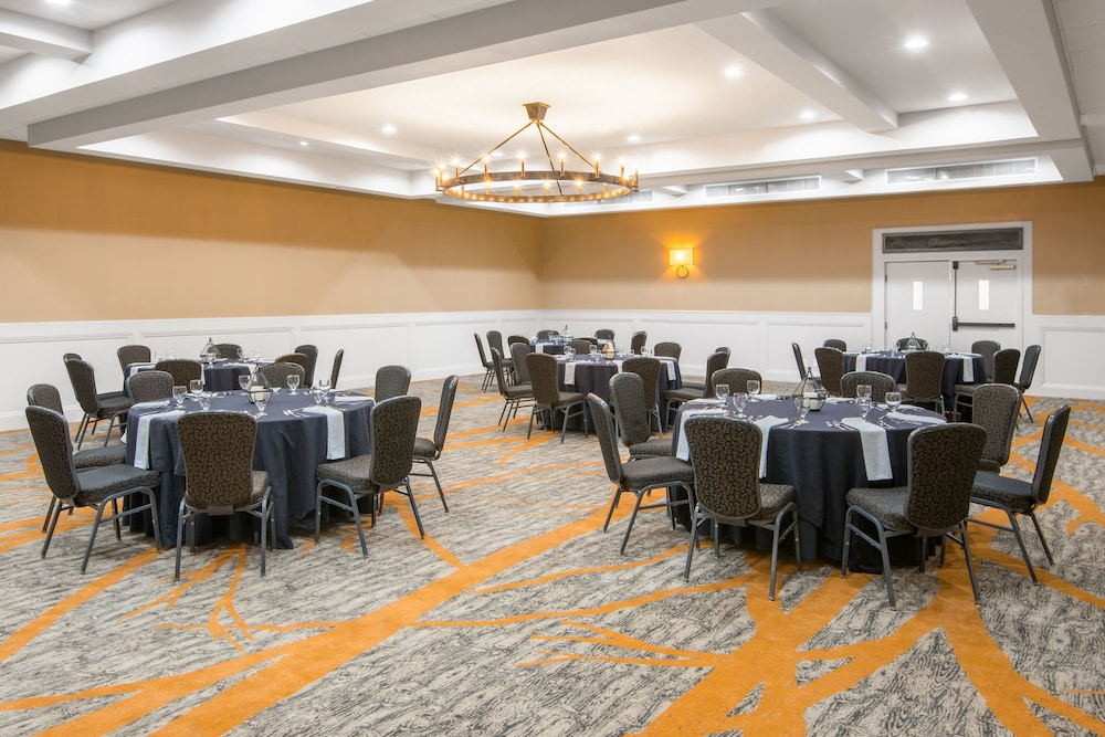 Banquet Hall, Crowne Plaza Resort Asheville