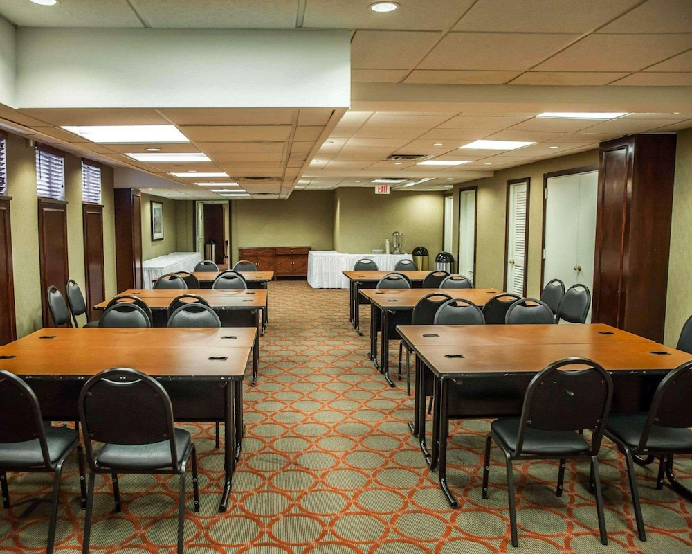 Meeting Facility, The Virginian Suites, Ascend Hotel Collection