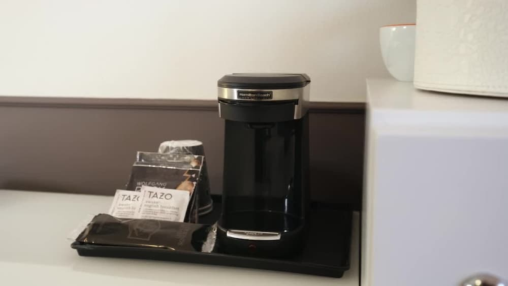 Coffee and/or Coffee Maker, Hotel Vertigo