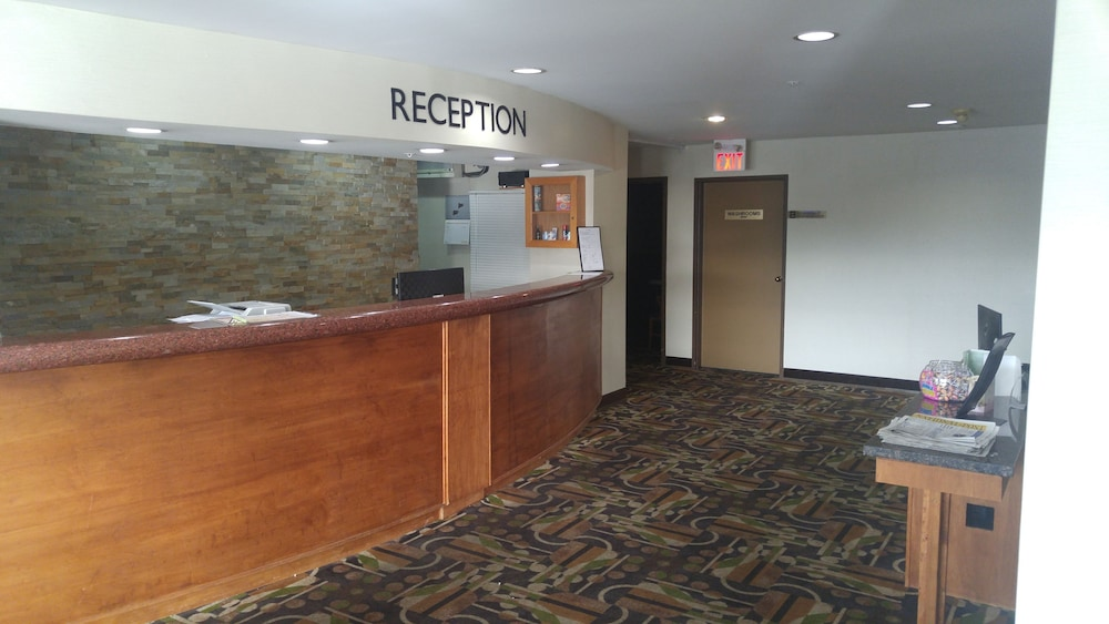 Reception, Ramada by Wyndham Abbotsford