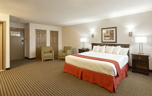 Room, Ramada by Wyndham Abbotsford