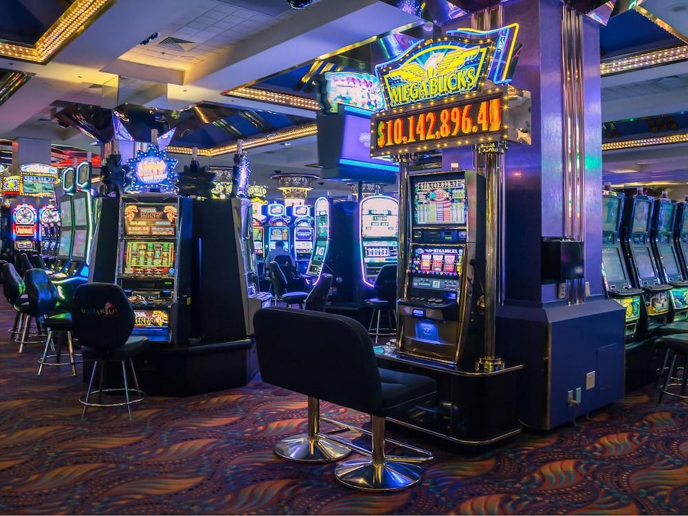 Aquarius Casino Resort 2017 Room Prices Deals Amp Reviews