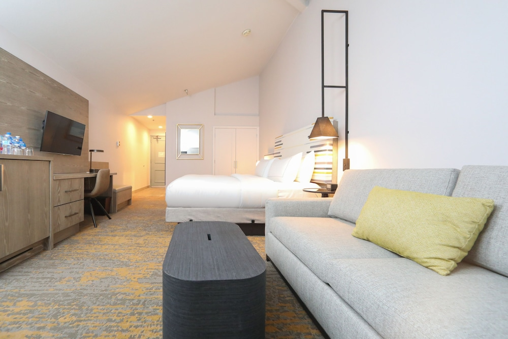 Room, Doubletree by Hilton Campbell - Pruneyard Plaza