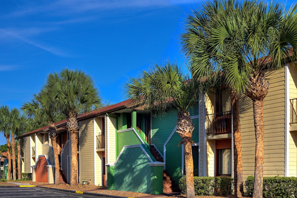 Property Grounds, Legacy Vacation Resorts-Orlando