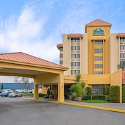 La Quinta Inn & Suites by Wyndham Tacoma - Seattle